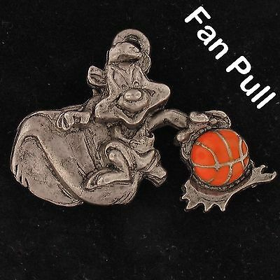 FAN PULL Pepe Le Pew WARNER BROS Looney Tunes WB STORE Pewter BASKETBALL WB4267