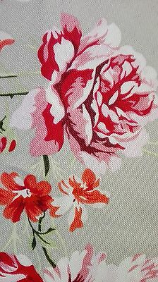 Vintage Style Floral Table Cloth Upholstery Weight Cotton Fabric 175Cm Diametre
