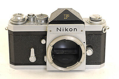 Nikon F 35mm Film SLR Camera Body with Normally prism head (0439)
