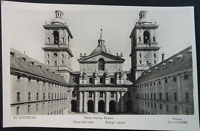 Antigua Postal 1956 Monasterio De El Escorial Patio De Los Reyes  Madrid  Cc4253