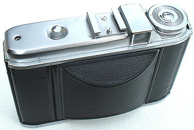 Voigtlander Perkeo 1 6x6 Medium Format Camera with Vaskar 80mm 1:4.5 Lens