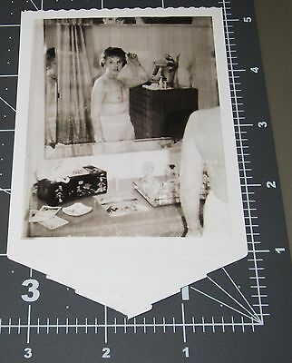 Nude Woman Homemade Porn Housewife Naked Girl Lady Vintage Snapshot PHOTO 2
