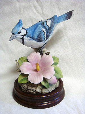 Andrea by Sadek Japan BLUE JAY Porcelain Figure w/ Wooden Base #9386 - MINT