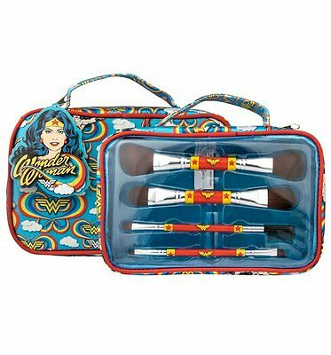 Official Retro Wonder Woman Cosmetics Brush Set In Wash Bag