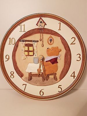New - Beautiful Disney Winnie The Pooh Gold 3D Resin Clock