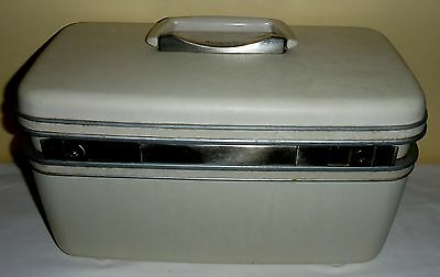 1960's Samsonite Silhouette White Carry On Suitcase Make-Up Case Made In Canada