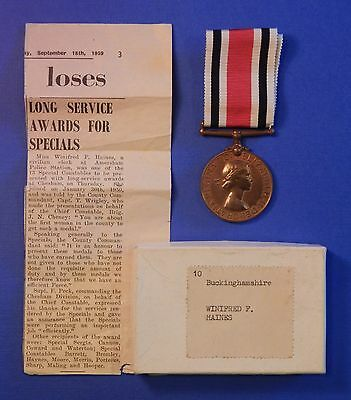 British Special Constabulary Long Service Medal Qe2 Female Box Newspaper  Ab0428