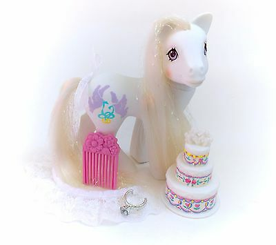 G1 My Little Pony Bride Complete Ring Cake Comb Ribbon Bow Original 80s Hasbro