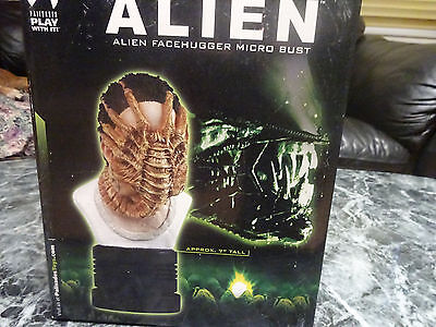 Palisades Toys ALIEN Facehugger Micro Bust 2004 Number 997 out of 3000 NEW INBOX