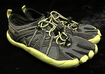 FILA Skele Water Athletic Running Water Slip On Toe Shoes Youth 2 Boys Youth