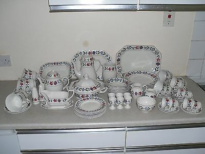 Adams Old Colonial by Wedgwood 75-Piece Dinner Service