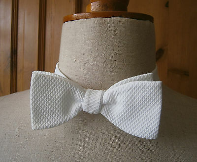 VINTAGE 1950s WHITE MARCELLA  BOW TIE MADE IN ENGLAND WEDDING BALL