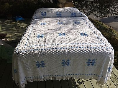 """90""""x110"""" wh / blue flowers VINT CHENILLE BEDSPREAD summer weight 3/4 full double"""