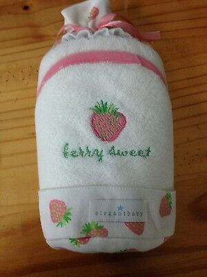 NWT Elegantbaby hooded towel and washcloth set Berry Sweet girl