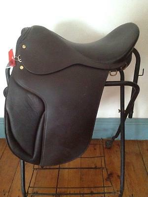 """DRESSAGE SADDLE 18"""" BROWN LEATHER  <NEW> Wide Tree DEEP SEAT"""