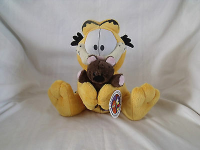 Garfield soft / plush toy holding small bear 24 cm tall with tag.  T1