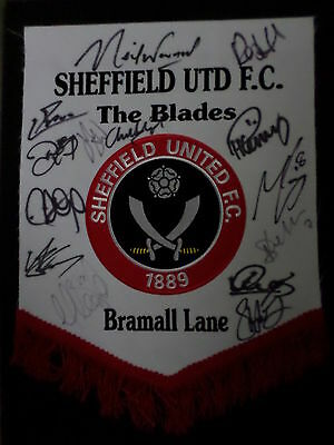 Sheffield Utd F.C. multi signed pennant inc. manager Neil Warnock