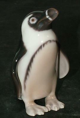 B&G Bing & Grondahl BIRD Figurine PENGUIN #1821 MINT!