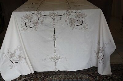 Large Vintage Linen, Embroidered & Cutwork Tablecloth 295x168cm #222