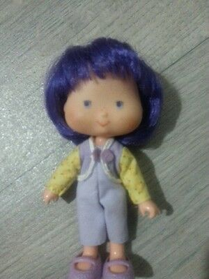 Adorable Vintage Strawberry Shortcake Doll ALMOND TEA with Purple Hair.