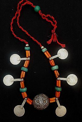 Morocco - Splendid Berber necklace, Taguemout bead, genuine coral beads, amazoni