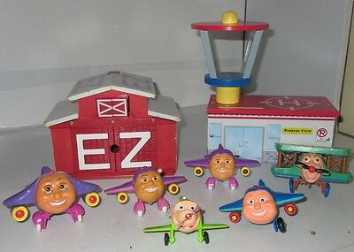 Lot Jay Jay The Jet Plane Wooden & Plastic Play Set Buildings 2002 2003 Used