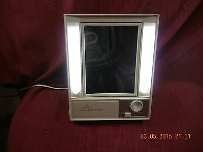 Vintage in BOX CLAIROL TRUE TO LIGHT LIGHTED MAKE UP MIRROR  3 SETTINGS