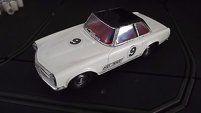 Vintage Tri-Ang Scalextric C32 Rare Race Tuned Mercedes 250Sl White / Black Roof