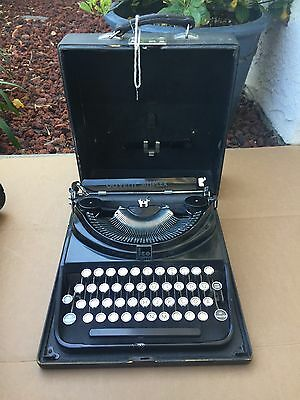 RARE Typewriter Olivetti ICO Simplex 1930's S/N 21225 With Case & Key NICE!