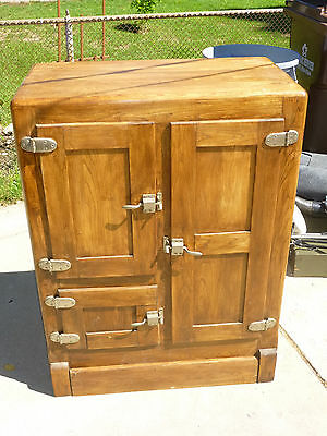 Antique Ice Box one faimily mine 100% original parts Grandparents purchased new!