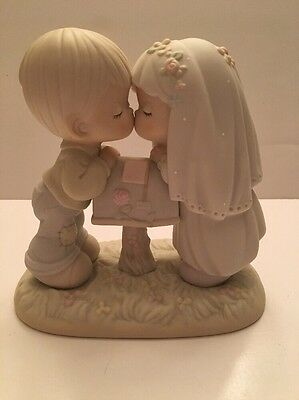 Precious Moments SEALED WITH A KISS Engagement Boy Girl Marriage Wedding Enesco