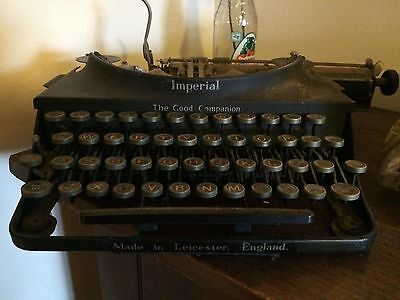 "Lovely, rare 1930s Imperial ""The Good Companion"" Portable Typewriter"