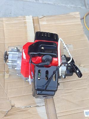 2 stroke go kart motor with gearcase and sproket