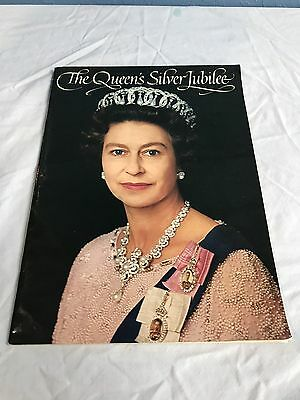 The Queen's Silver Jubilee Pictorial Souvenir 25 Anniversary Great Britain 1977
