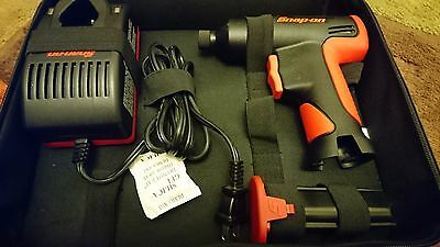 Snap-On Cordless Impact Wrench Kit Ct561Qc  W/battery ,charger And Soft Bag 7.2V