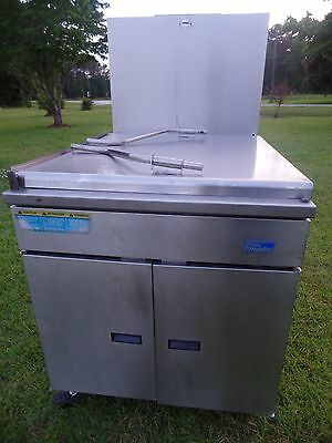 Pitco Frialator Donut Fryer Model#: 24P Xtra CLEAN! Excellent Shape!