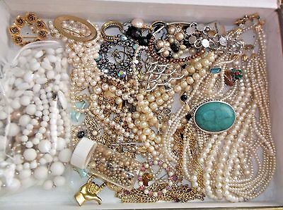 Vintage Beads, Faux Pearls, Broken Jewelry Parts Findings, craft Lot