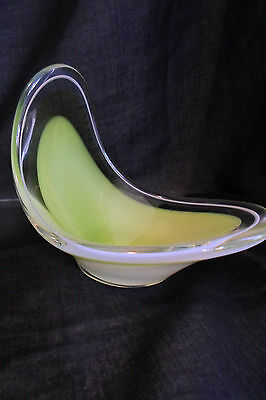 Coquille Signed Flygsfors 58 Swedish Art Glass Bowl Green MCM Paul Kedelv