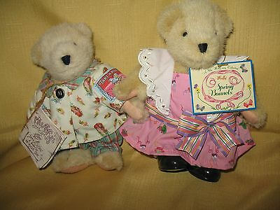 Muffy Vanderbear Lot of 2 Muffy's Sketchbook and Spring Bonnets