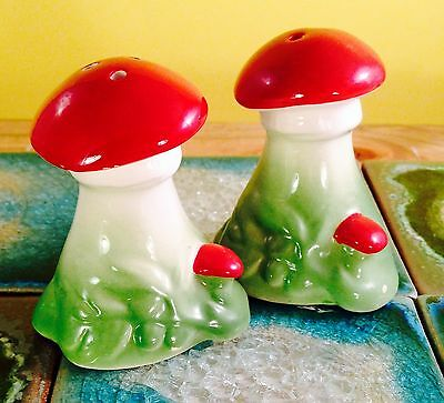 Fun! Anthropomorphic Mushroom Salt and Pepper Shakers Red Green Vintage Estate