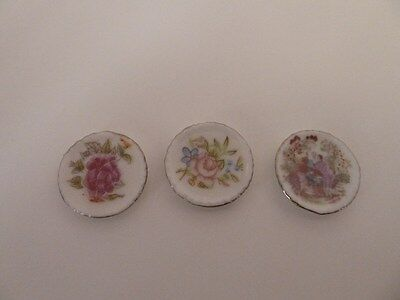 Dolls House Emporium Miniature 1:12th Scale Lounge Accessory 3 Patterned Plates