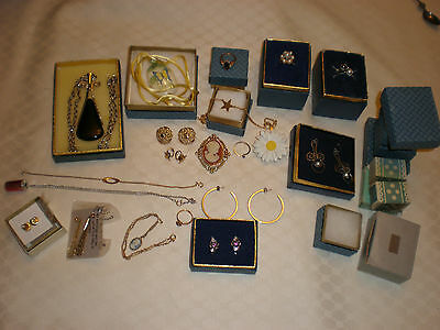 Assortment Of Vintage Avon Jewellery
