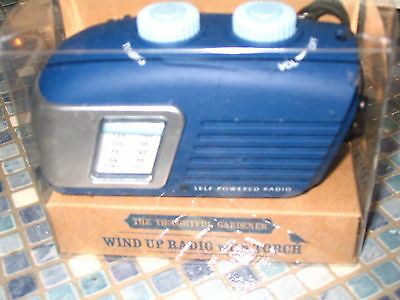 Wind Up Blue Am/fm Radio With Torch For Gardeners Brand New