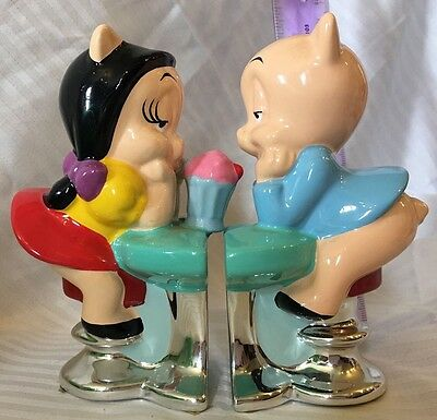 Warner Bros Porky Pig And Petunia Pig Salt And Pepper Shakers