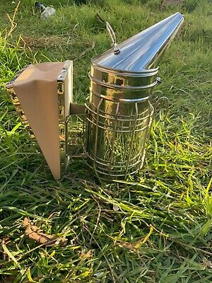 Quality Large Bee hive Smoker Professional w Heat Shield Beekeeping Beehive