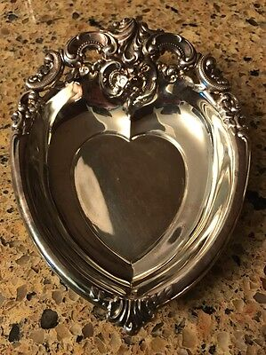"""6"""" Wallace Silversmiths 727 Silver plate BAROQUE HEART Vintage Candy Dish"""