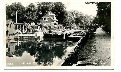 """""""BERKSHIRE """"   SONNING  RIVER  AND  LOCKS      1920/30s"""