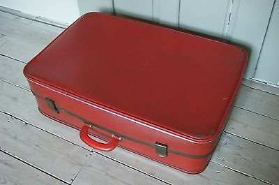 Retro Vintage Suitcase Steamer Trunk / Coffee Table / Display Prop