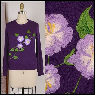 vtg 60s VIOLET PANSY embroidered flower wiggle knit SWEATER feminine tea party S