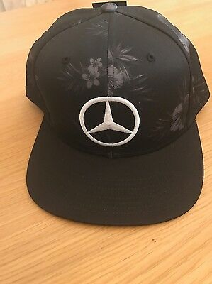 Formula One -  Lewis Hamilton - 2015 Japan Gp Flat Brim Snap Back Cap.